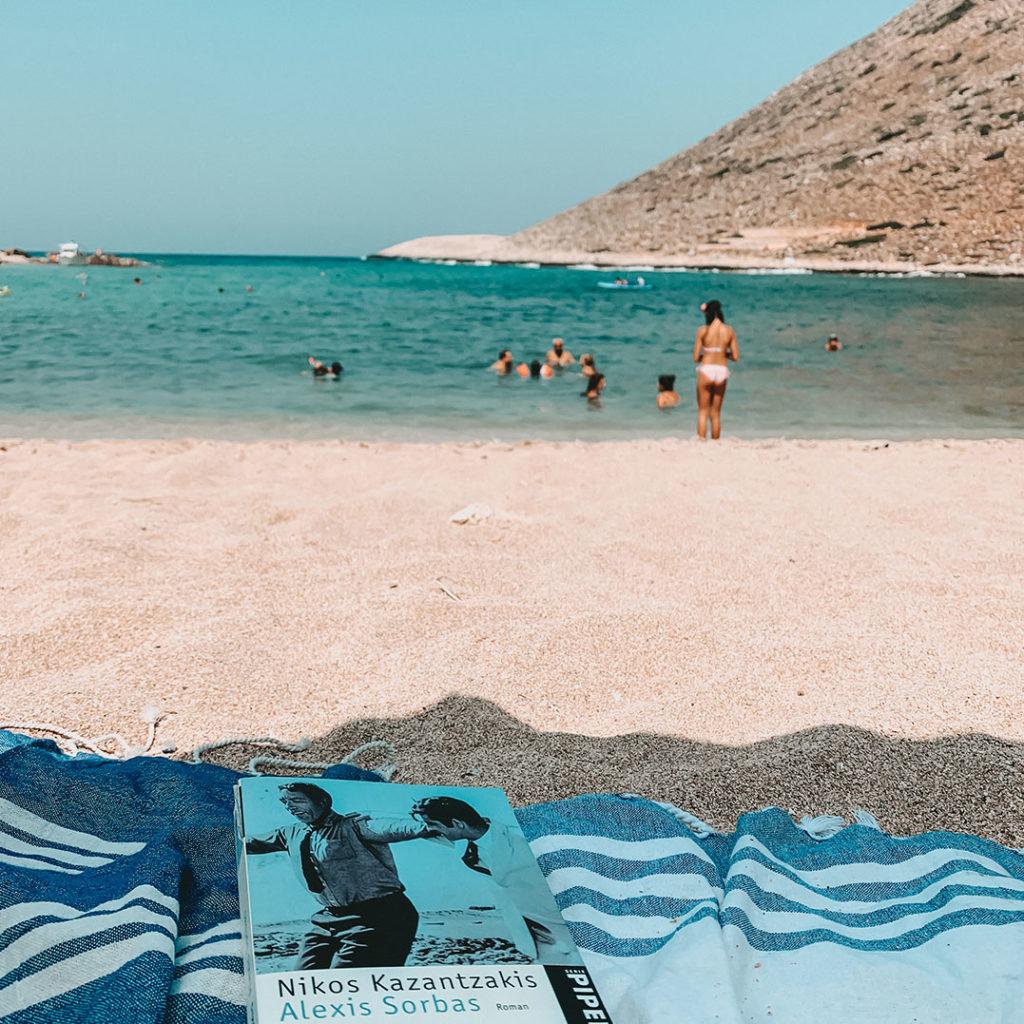 Alexis Sorbas am Strand von Stavros