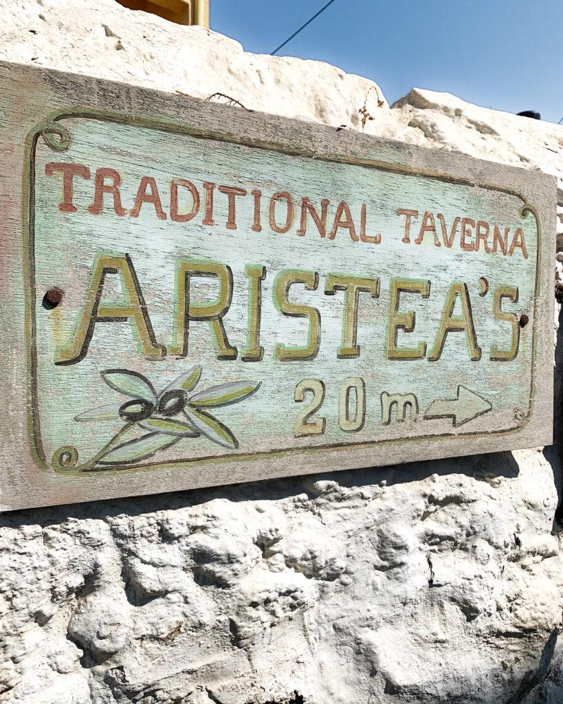 Ein Schild mit der Aufschrift Aristea's