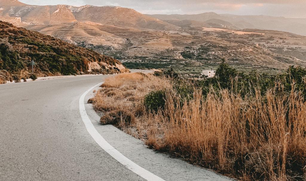 einsame Straße auf Kreta